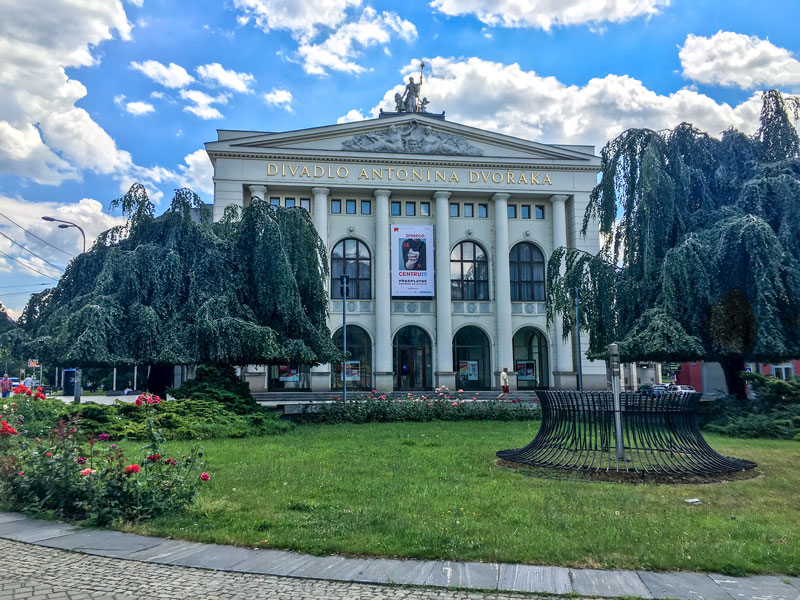 Antonin-Dvorak-Theater_01
