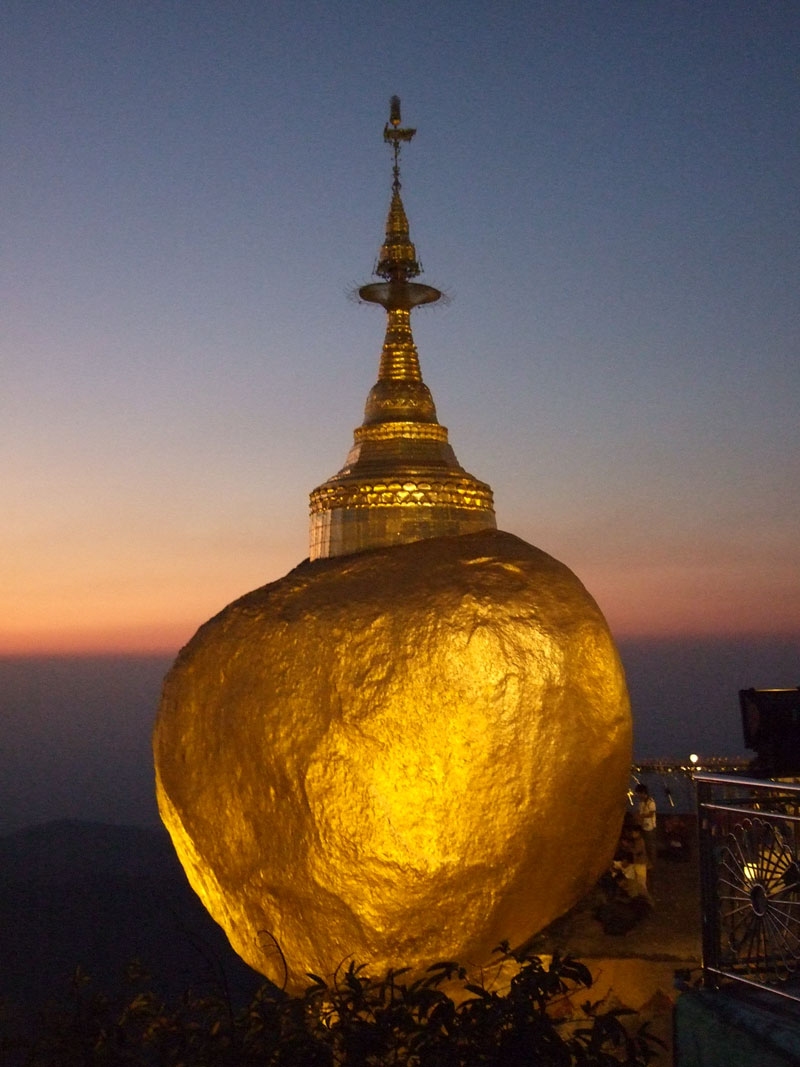 Myanmar-Golden-Rock